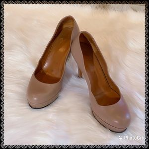 GUCCI Nude Charlotte Round Toe Leather Platforms